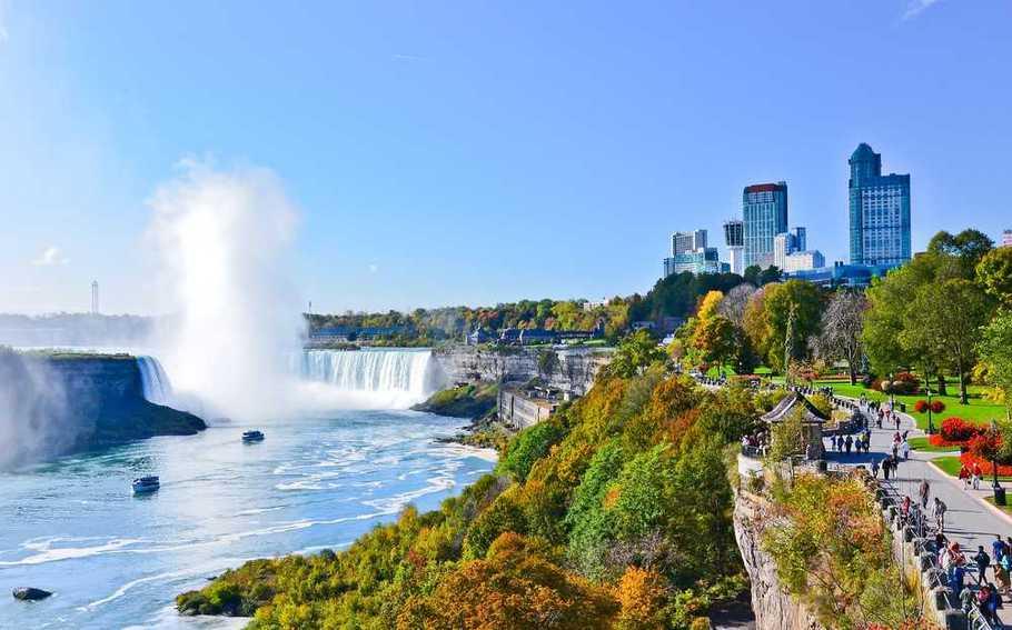 Niagara with People
